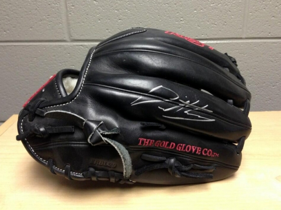 David Holmberg signed game-used glove.